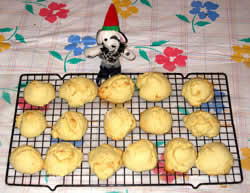Anisette cookies on cooling rack