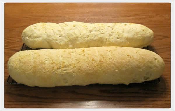 italian_bread_skinny_loaf_oil_and_bread_01