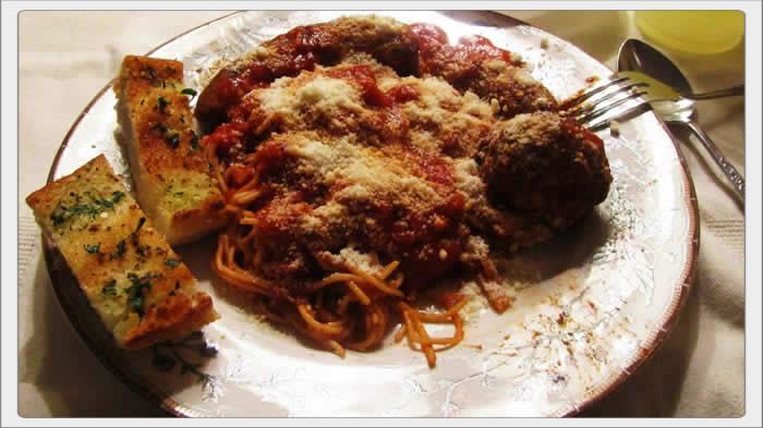 Spaghetti Sauce, Meatballs and Sausage Plate