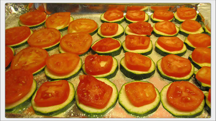 zucchini and tomato appetizer
