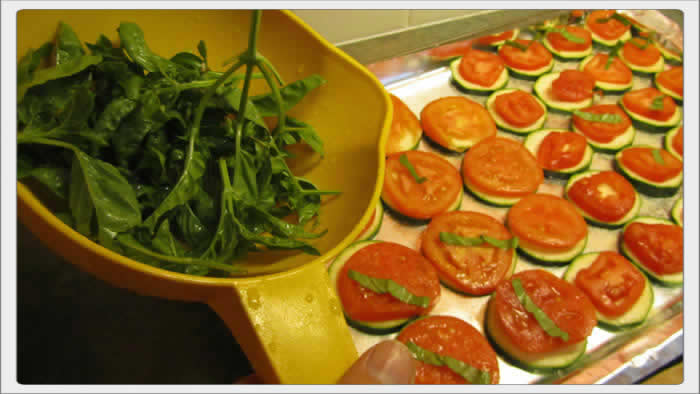 zucchini_and_tomato_appetizers_02