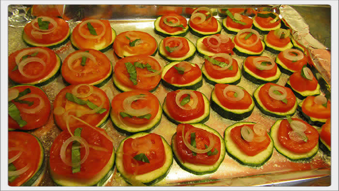 zucchini_and_tomato_appetizers_03