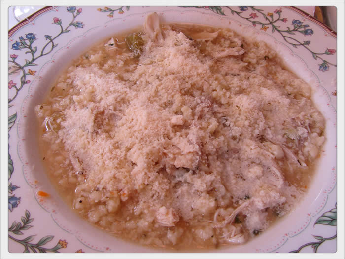chicken_soup_with_semolina_pasta_lp-05