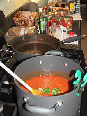 Spaghetti sauce and meatballs